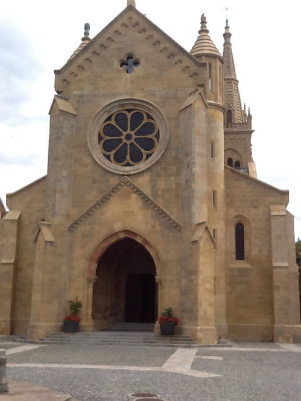 The Collegiate Church of Neuchatel.  Very Roman.