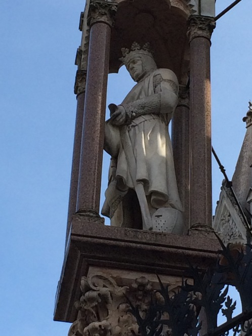 A King Arthur-looking ancestor of Brunswick.
